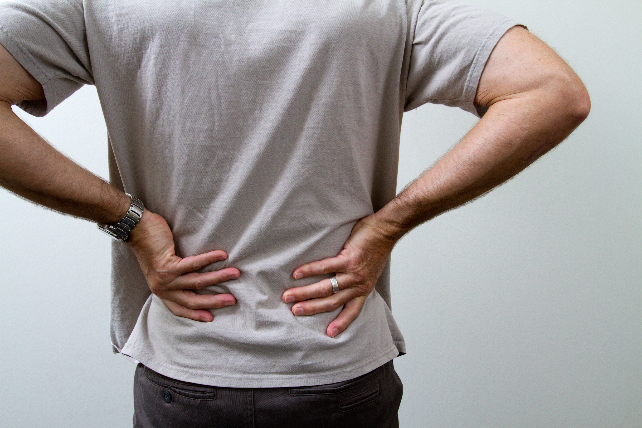 How to deal with sudden back pain bothering you right after eating